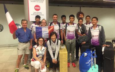 Le Rêve Français de 6 jeunes cyclistes Thaïlandais de l'équipe Grand Thornton Bike Zone.